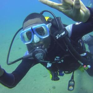 """Diver """"rocks on"""""""