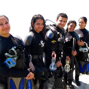 PADI Discover Scuba Divers ready for the dive